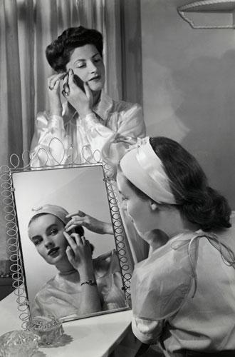 Фото №2 - Как Элена Рубинштейн построила карьеру на мамином креме