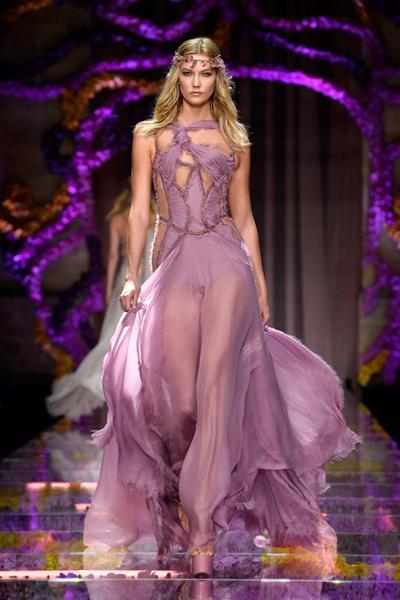 Фото №17 - Модельный ряд: как худеют ангелы Victoria's Secret