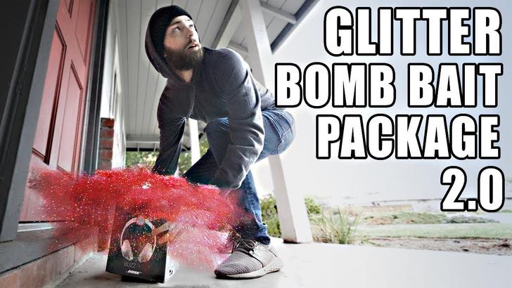 Фото №1 - Маколей Калкин вместе с бывшим инженером NASA разработали бомбу против грабителей (видео)