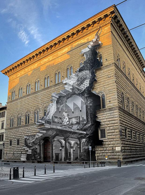 Фото №1 - Инсталляция JR на фасаде палаццо во Флоренции