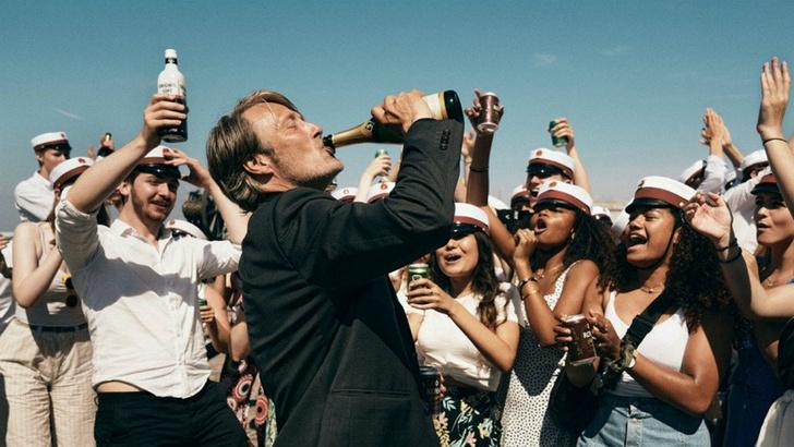 Фото №1 - Влияет ли алкоголь на мораль и еще 4 неожиданных факта о пьянстве