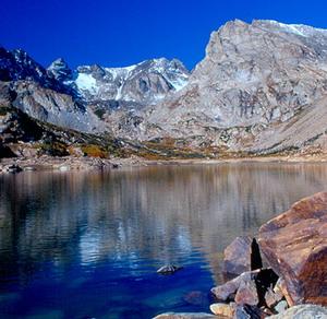 Фото №1 - Ледниковое озеро ушло под землю