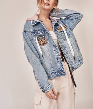 Фото №10 - От длины до декора: 5 главных ошибок при выборе джинсовой куртки