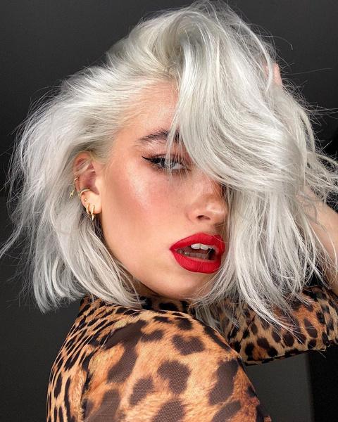 Фото №8 - Такой разный пепельный блонд: 20 оттенков и причесок 😍