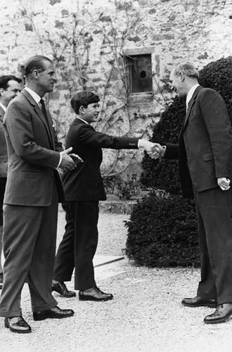 Фото №5 - Почему принц Джордж опять идет в первый класс