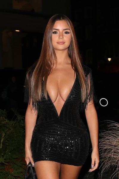 Фото №1 - Деми Роуз ходит в прозрачном платье, которое вы бы постеснялись надеть