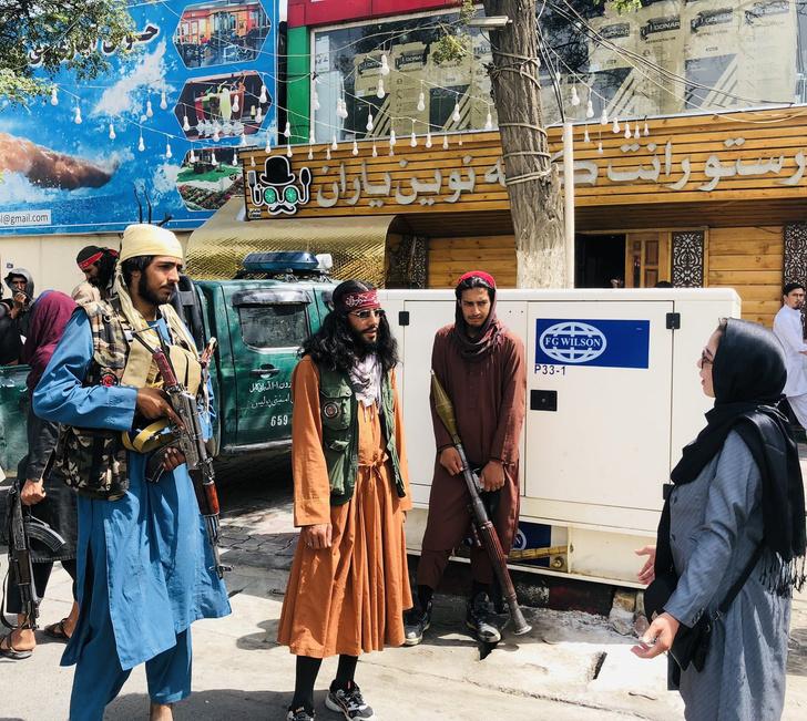Фото №2 - В Интернете нашли самых модных боевиков из Афганистана (галерея и немного фотожаб)