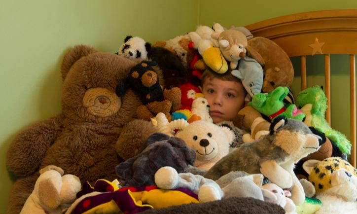 Чем меньше, тем лучше: 14 причин не покупать детям игрушки