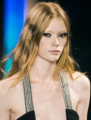 Фото №1 - How to: яркий макияж глаз от Yves Saint Laurent