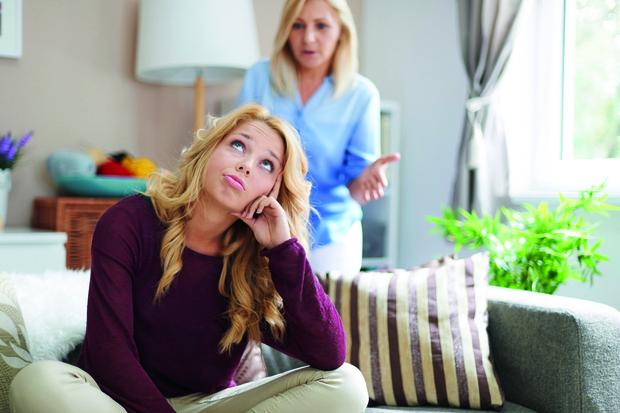 Фото №1 - Как отучить свекровь лезть в семью
