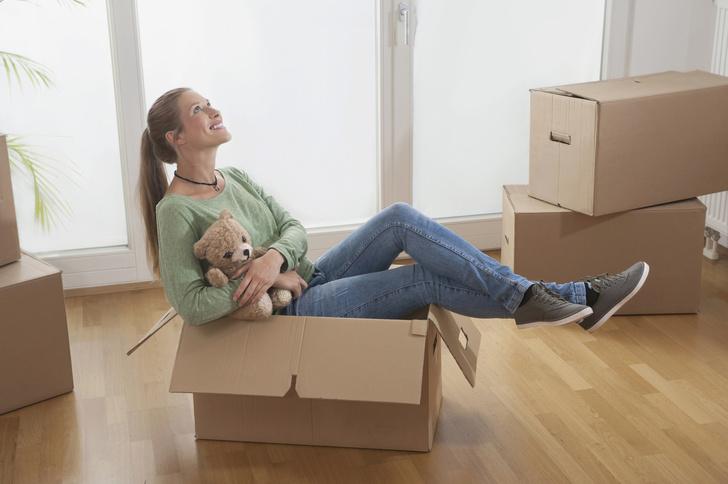 Фото №2 - Тапки, фото, пальма: вещи, которые нельзя хранить дома