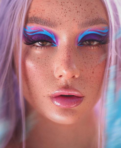 Фото №4 - Фантазийный макияж: 5 идей для яркого летнего образа