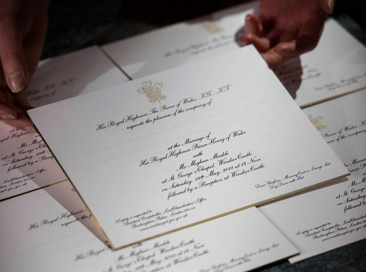 Фото №6 - Пригласительные на свадьбу Гарри и Меган: чем они отличаются от приглашений Уильяма и Кейт