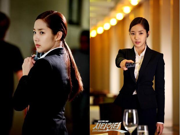 Фото №8 - Что так с секретарем Ким: 7 хитрых приемов классического стиля от Пак Мин Ён