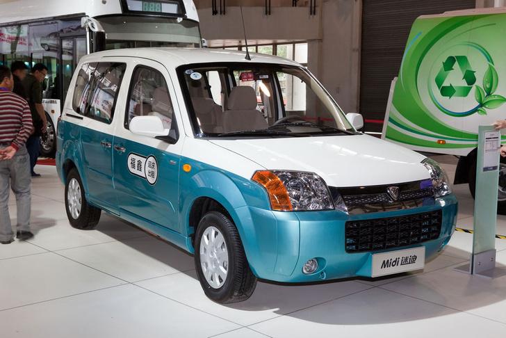 Фото №1 - Таксисты Пекина пересядут наэлектромобили