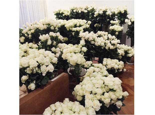 Фото №4 - Самые роскошные подарки Ким Кардашьян от Канье Уэста