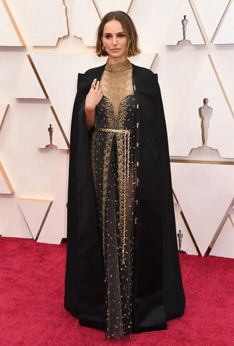 Фото №2 - Протест на «Оскаре»: почему все обсуждают образ Натали Портман
