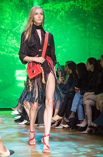 Фото №14 - По секрету: 10 неочевидных (пока) трендов Недели моды в Париже