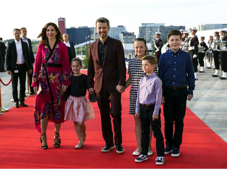 Фото №2 - Боль принцессы Мэри: семейная драма «датской Кейт Миддлтон»