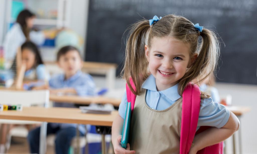 Что купить ребенку в школу: полный список покупок-2020