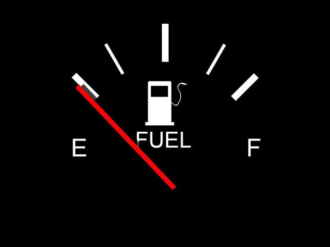 Фото №7 - Что делать если бензин в баке — всё? Пошаговый гид