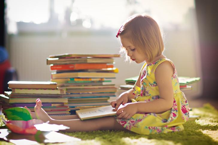 Фото №1 - Эксперты выяснили, как чтение в детстве влияет на доходы в будущем
