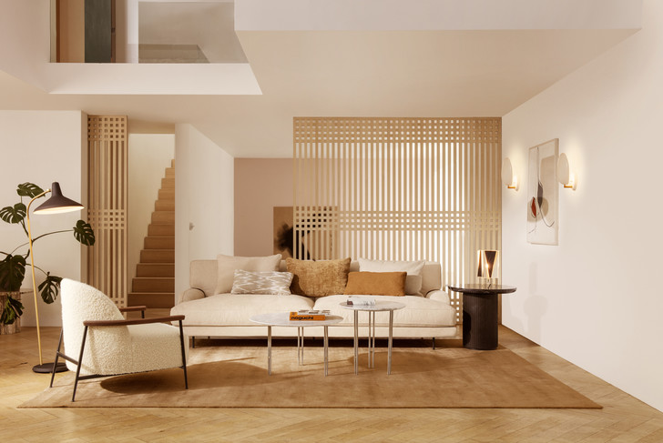 Фото №1 - Кресло Sejour по дизайну GamFratesi для Gubi
