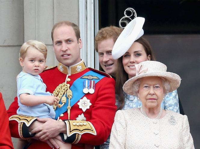 Фото №3 - Принц Уильям: «Если мне удастся немного поспать в это Рождество, это будет чудом»