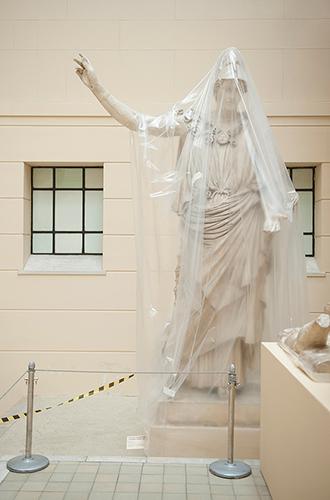 Фото №5 - Марина Лошак: «Это только кажется, что в музее все говорят об искусстве...»