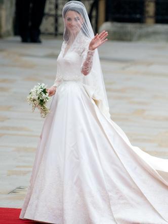 Фото №15 - Платья-близнецы: 15 слишком похожих свадебных нарядов королевских особ