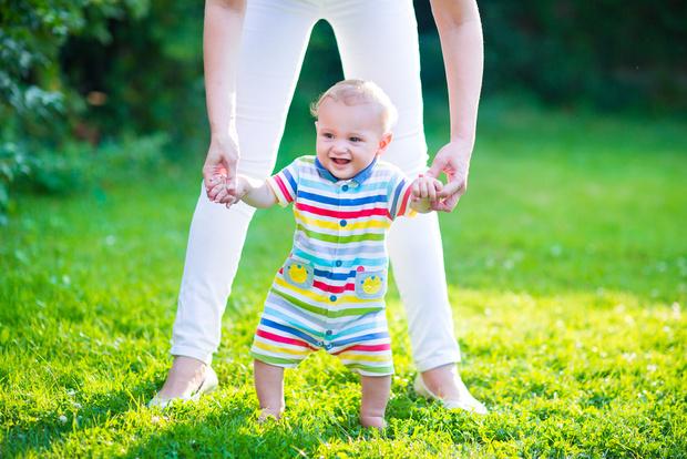 Фото №1 - Когда ребенок научится ходить