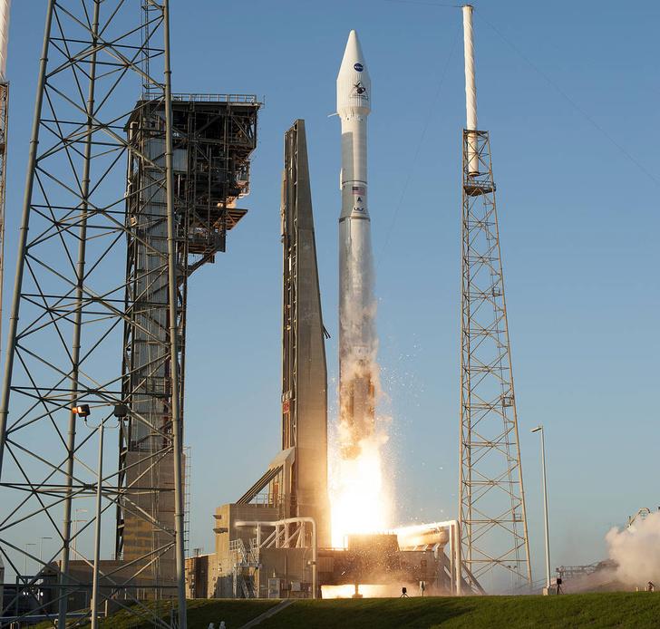 Фото №1 - НАСА отправило к опасному астероиду космический аппарат