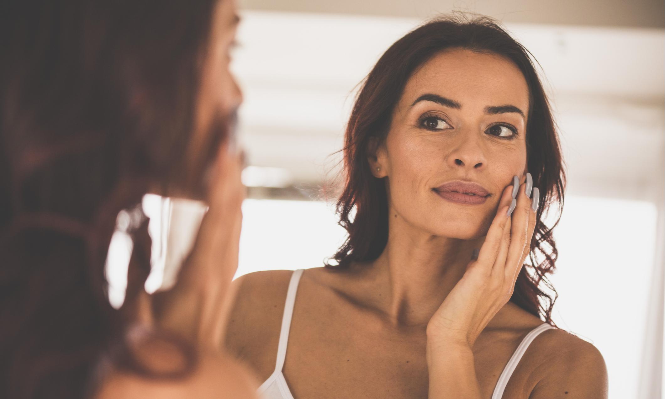 Акне после 40 лет: почему появляются высыпания на лице