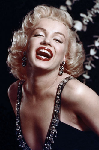 Фото №10 - Драгоценности Мэрилин Монро: что кинодива носила в жизни и на экране