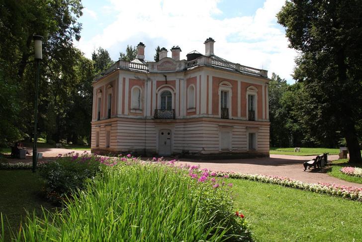 Фото №1 - Дворец Петра III в Ораниенбауме открывается после реставрации