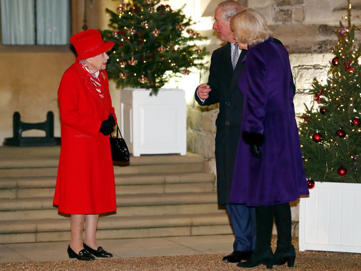 Фото №3 - Верх изобретательности: что Меган подарила Королеве на первое Рождество в Сандрингеме