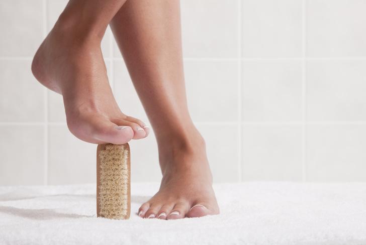 Фото №2 - Почему появляется грибок на ногах, и как от него избавиться