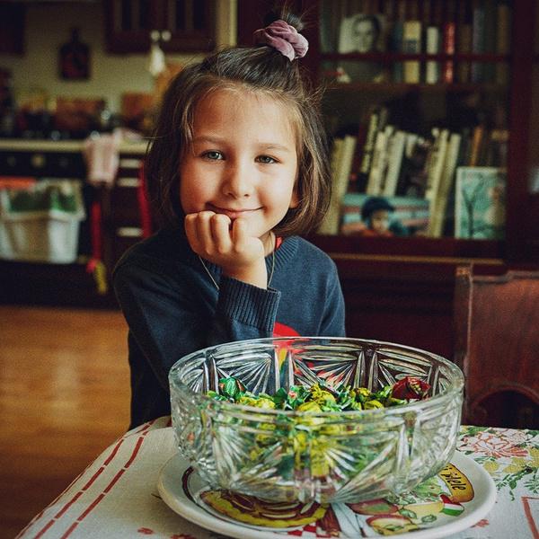 Фото №1 - Самая младшая из сестер Ургант отмечает 5-летие