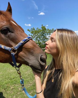 Фото №11 - Все, что мы знаем о новой девушке Коула Спроуса— Ари Фурнье