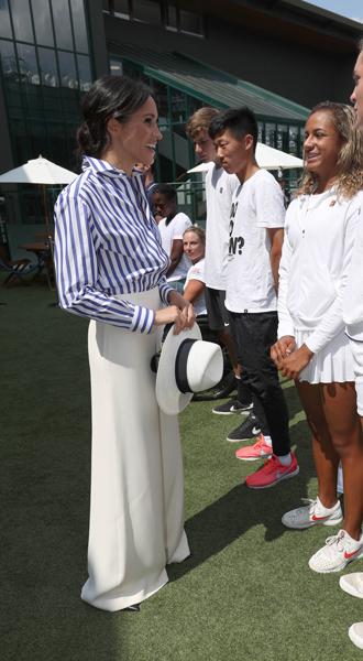 Фото №25 - Герцогиня Меган тратит на наряды больше герцогини Кейт