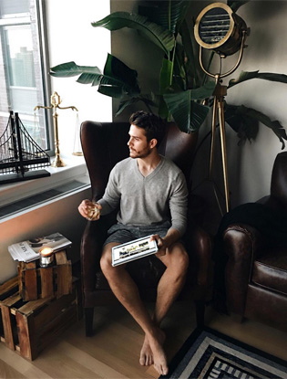 Фото №2 - 10 самых сексуальных мужчин Instagram
