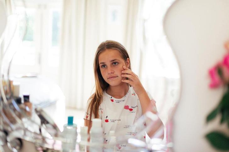 Фото №1 - Уходовая косметика для подростков: лучшие бренды и средства