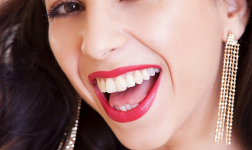 """Фото №1 - Если во рту """"села батарейка"""". Иммунолог Первого меда назвала самые аллергенные материалы в стоматологии"""