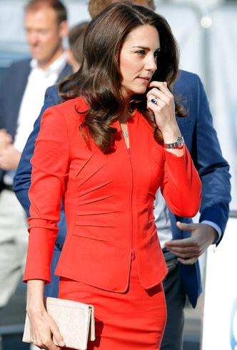 Фото №2 - Какой цвет в одежде — табу для Кейт и Меган (нет, это не черный)