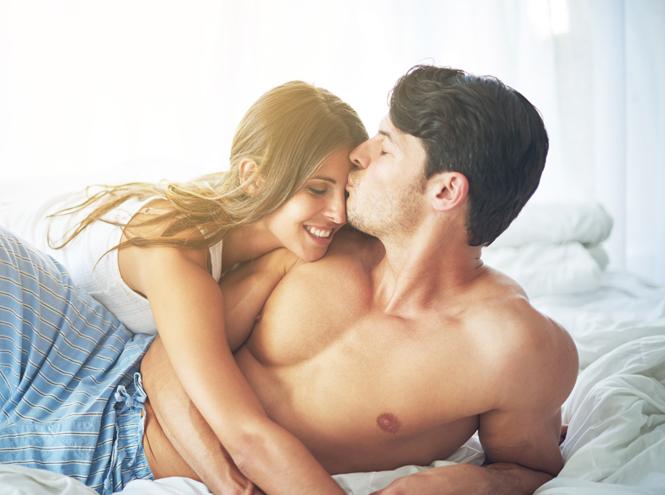 Фото №1 - Делай как я: что такое суррогатная секс-терапия и кому она нужна
