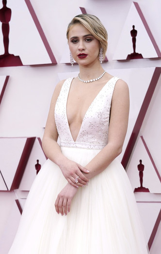 Фото №35 - «Оскар-2021»: лучшие образы церемонии награждения