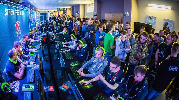 Фото №1 - В Варшаве прошёл турнир киберспортсменов
