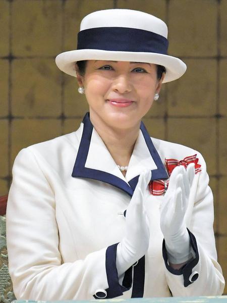 Фото №1 - Императрица Японии показала идеальные брови