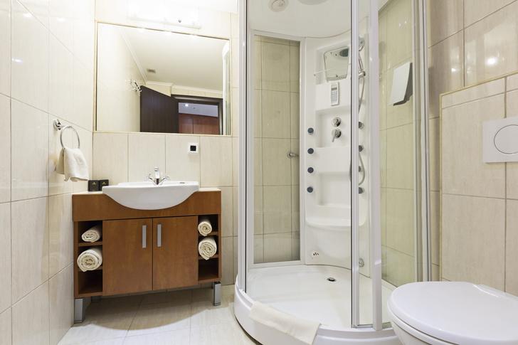 Фото №4 - 7 секретов, как вместить все необходимое в маленькую ванную