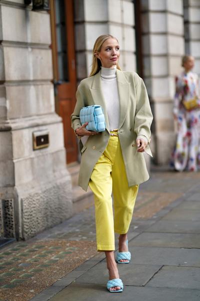 Фото №4 - Не стесняемся: 5 советов, как носить очень яркие вещи
